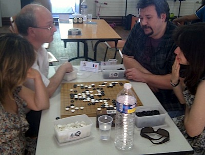 1st round:  Chaîne/Colmez, France (left) playing Suciu/Calota, Romania (photo courtesy of Pierre Boudailliez)