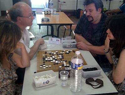 1st round:  Chaîne/Colmez, France (left) playing Suciu/Calota, Romania (photo courtesy of Pierre Boudailliez)