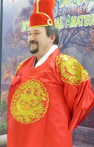 Lucretiu Calota dressed like a Korean king (photo: Toshiko Ito)